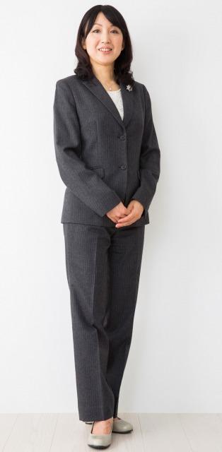 40代 パンツスーツ