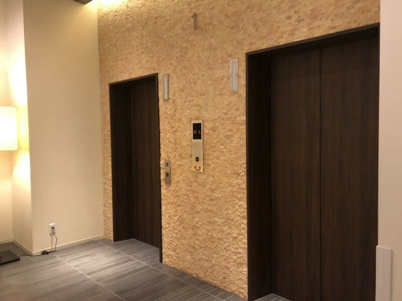 ラグナスイート新横浜 エレベーター