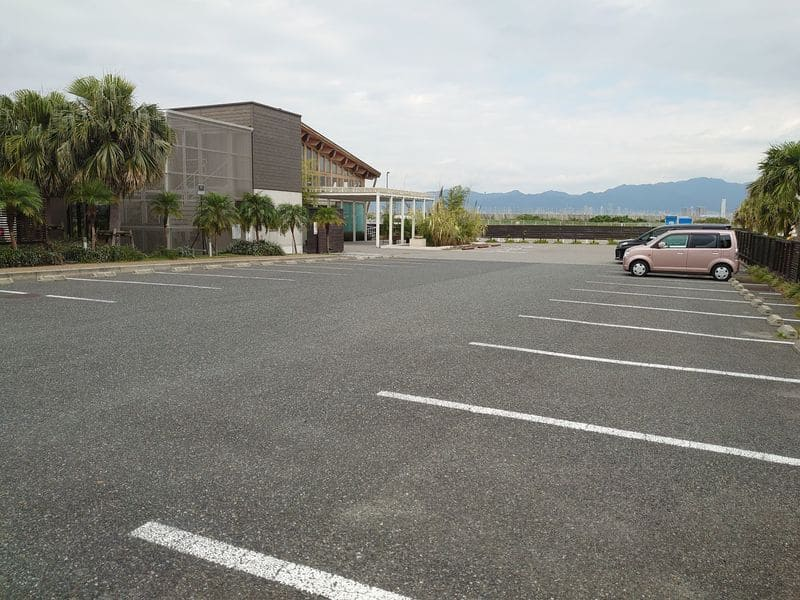 ラヴィマーナ神戸 駐車場