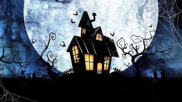 ハロウィンイメージの夜のお屋敷風景
